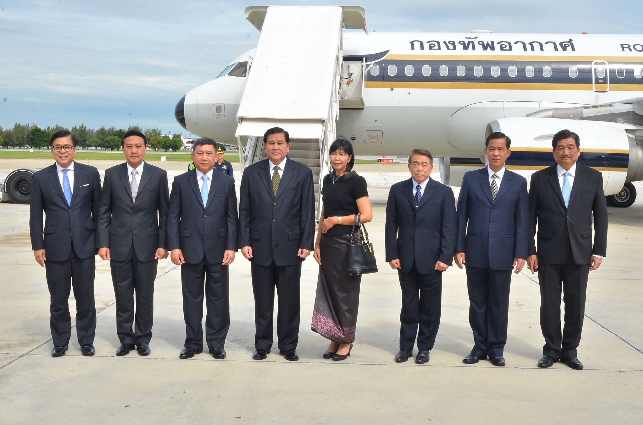 ผู้บัญชาการทหารอากาศ และรัฐมนตรีว่าการกระทรวงคมนาคม  ร่วมคณะเดินทางเยือนราชอาณาจักรกัมพูชาอย่างเป็นทางการ