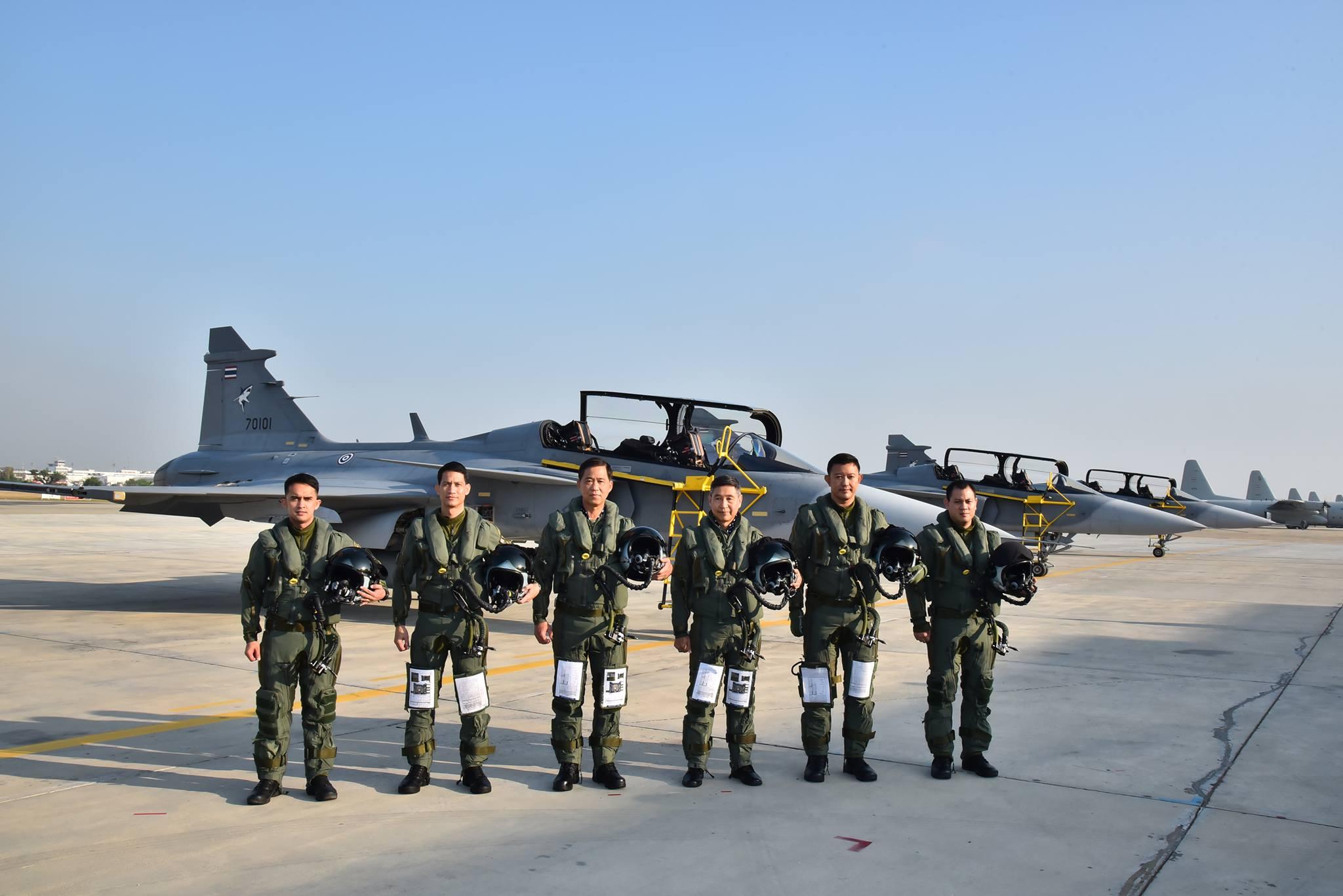 ผู้บัญชาการทหารสูงสุด และ ผู้บัญชาการทหารอากาศ ร่วมทำการบินกับเครื่องบิน GRIPEN 39 D