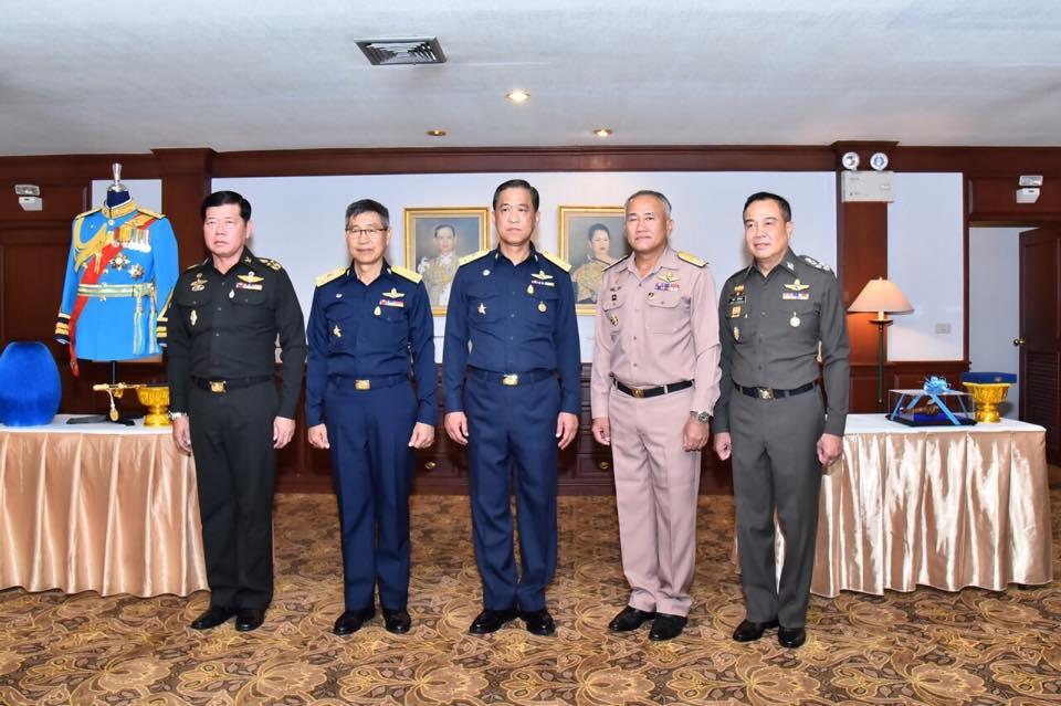 ผู้บัญชาการทหารสูงสุด  เป็นประธานในการประชุมผู้บัญชาการเหล่าทัพ ครั้งที่ ๔/๕๘